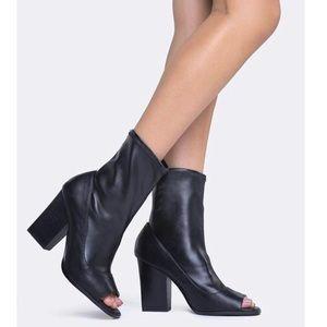Report Footwear Black Bradshaw Open-Toe Bootie
